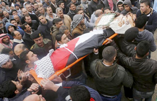 مقتل ثلاثة فلسطينيين