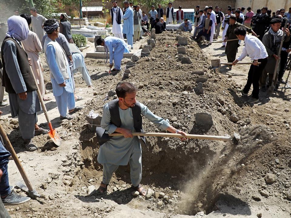 بالصور.. 63 قتيلا و182 جريحا حصيلة التفجير الإرهابى في حفل زفاف بأفغانستان