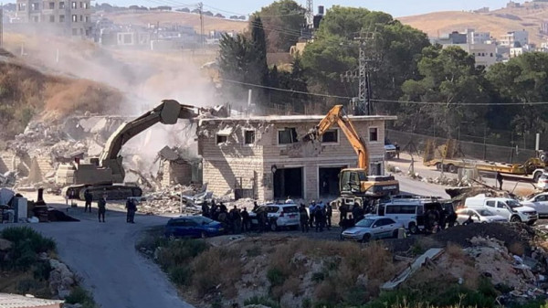 الاحتلال يهدم منازل